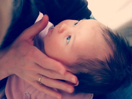 El tacto y el vínculo del bebé