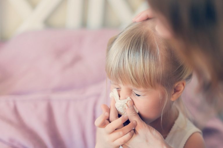 Coronavirus en niños - Sonarse en pañuelo