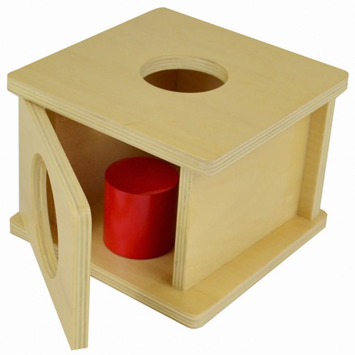 Cómo trabajar la ansiedad por separación de los bebés con las cajas de permanencia Montessori