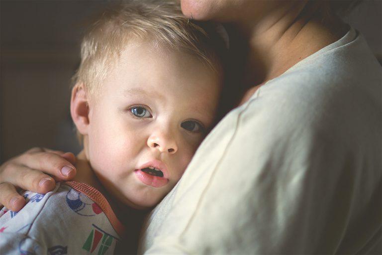 El nacimiento del ego o la identificación del yo en los bebés